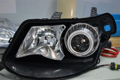 西安 五菱宏光 汽车 大灯改装透镜 氙气灯,西安五高清图片