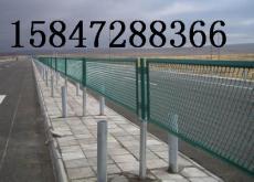 包头钢板网护栏 高速公路防眩网