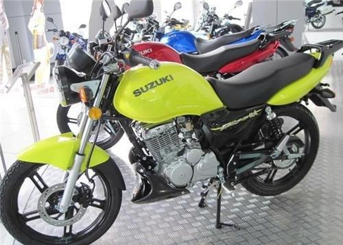 铃木EN125摩托车图片