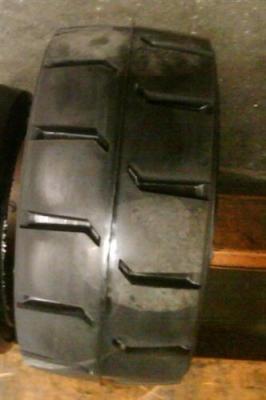28X12X22实心轮胎
