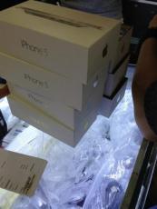 蘋果5代白 2850元黑2830元