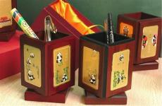 北京有做筆筒廠嗎北京紅木金箔筆筒直銷訂做
