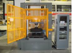 进入地铁系统的车辆空气弹簧试验机